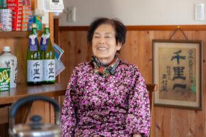 87才里村商店の母